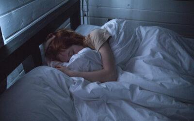 Skąd biorą się problemy z zasypianiem? Jak radzić sobie w przypadku problemów z zaśnięciem?